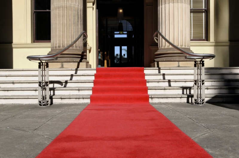 Red carpet runner tradition